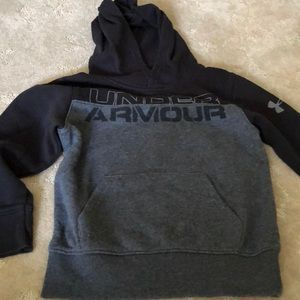 Under Armour sweatshirt hood, long sleeves